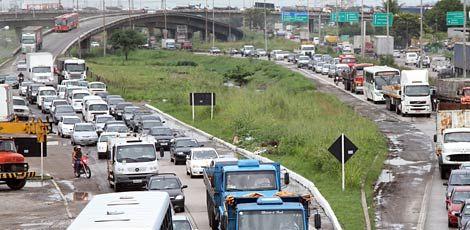O Arco Metropolitano vai permitir os motoristas irem de Suape a Goiana sem passar pelos congestionamentos da BR-101